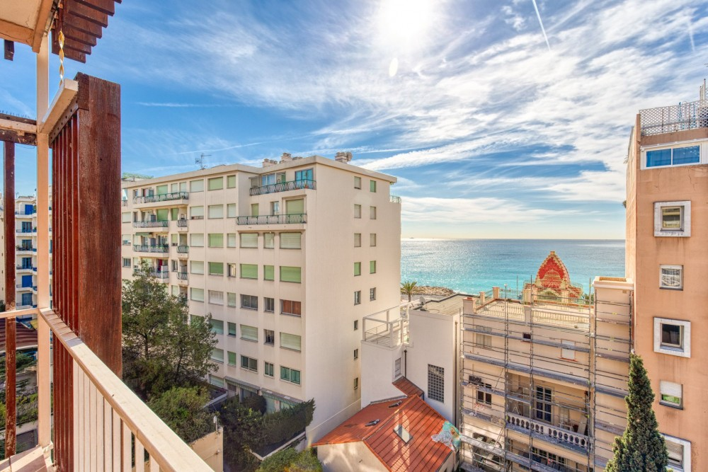 2 bed Property For Rent in Nice,  - 1