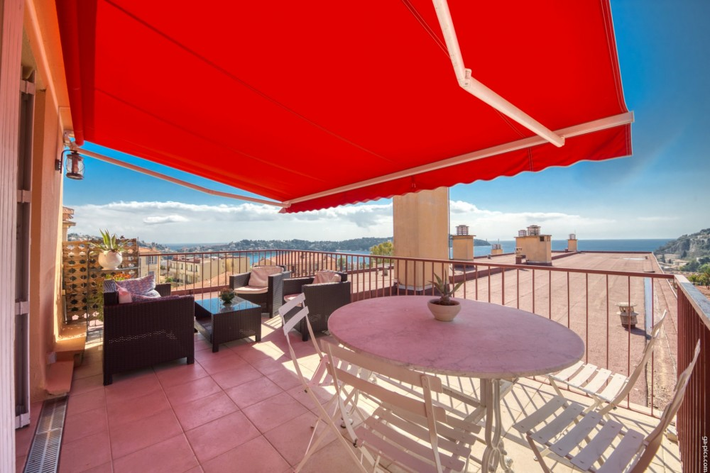 3 bed Property For Sale in Outside Nice,  - 1