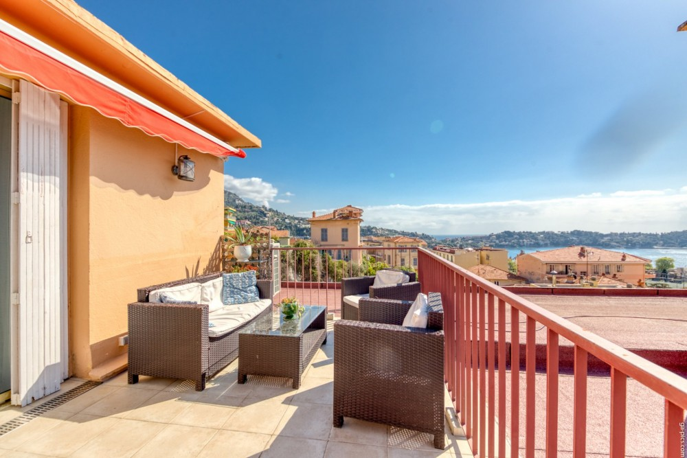 3 bed Property For Sale in Outside Nice,  - 4