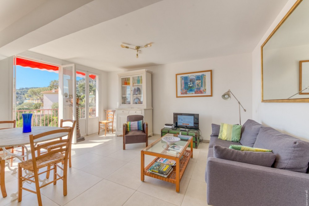 3 bed Property For Sale in Outside Nice,  - 5