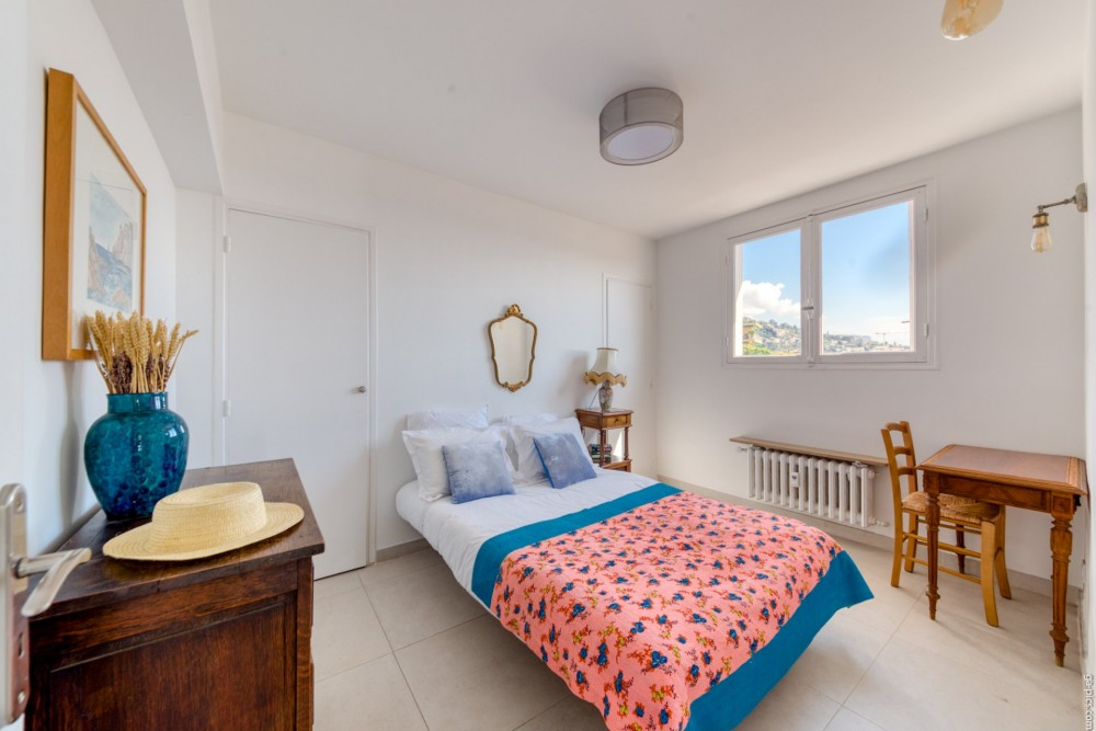 3 bed Property For Sale in Outside Nice,  - 12