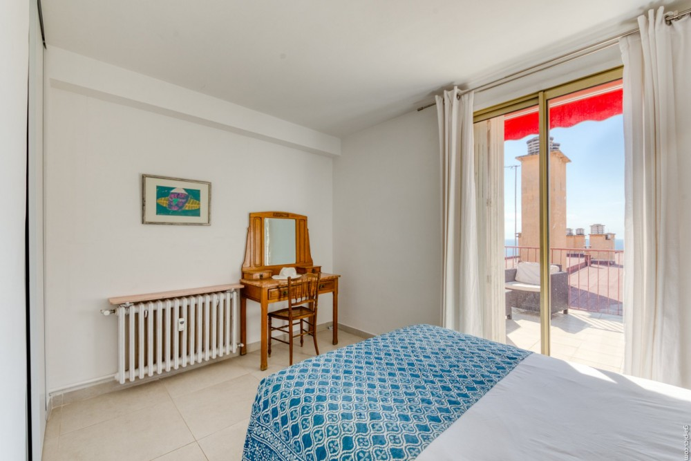 3 bed Property For Sale in Outside Nice,  - 14
