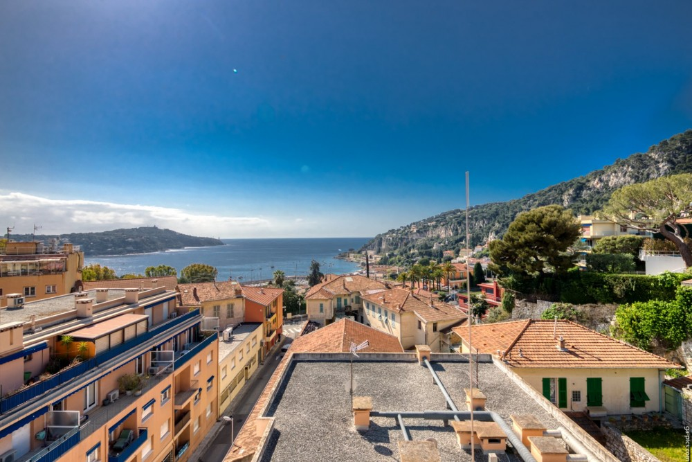3 bed Property For Sale in Outside Nice,  - 15