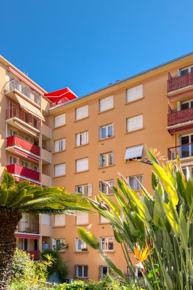3 bed Property For Sale in Outside Nice,  - 16