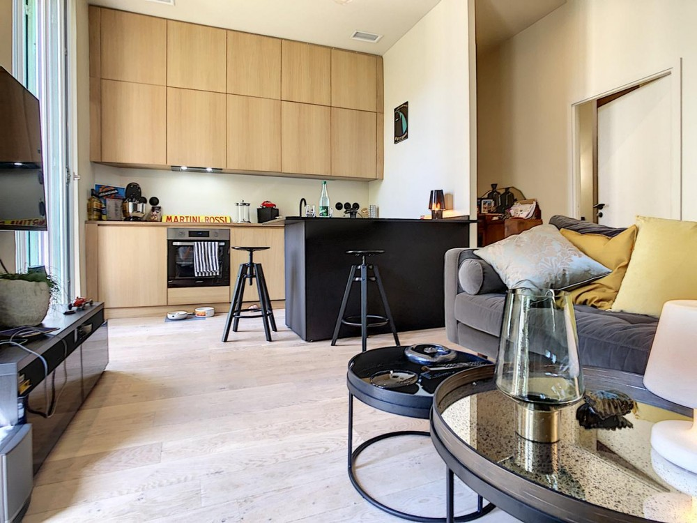 1 bed Property For Sale in Nice,  - 3