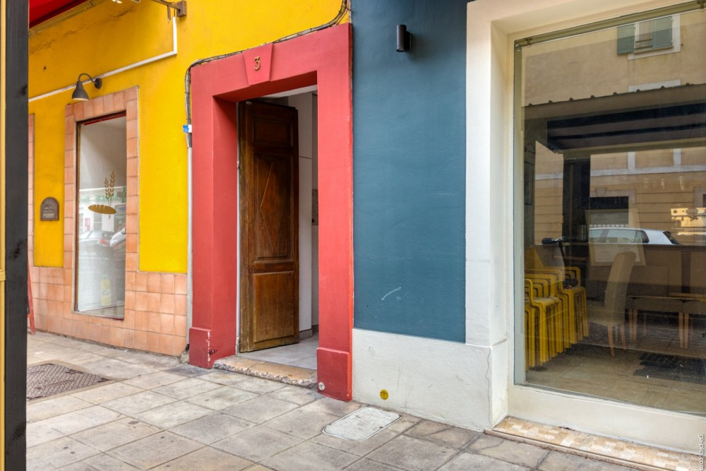 2 bed Property For Sale in Nice,  - 16