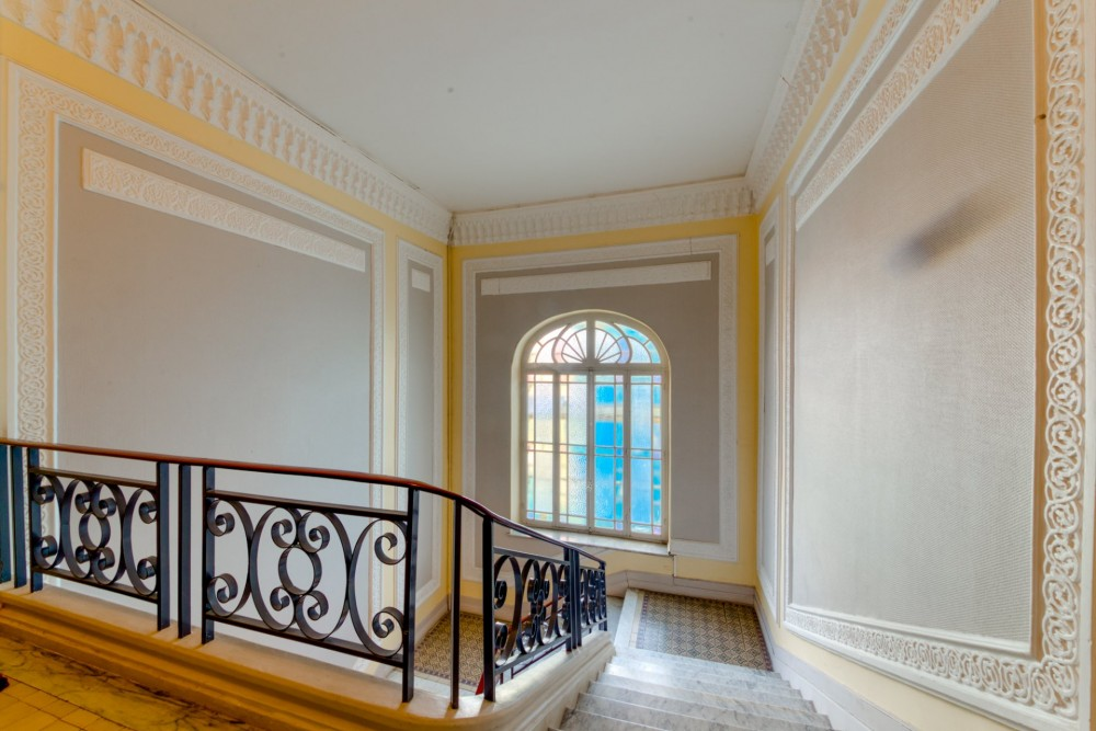 2 bed Property For Sale in Nice,  - 18