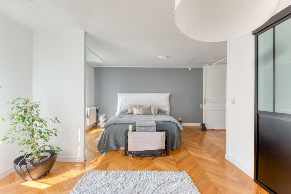 2 bed Property For Sale in Nice,  - 20