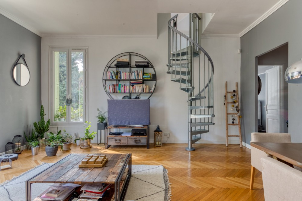 2 bed Property For Sale in Nice,  - 21
