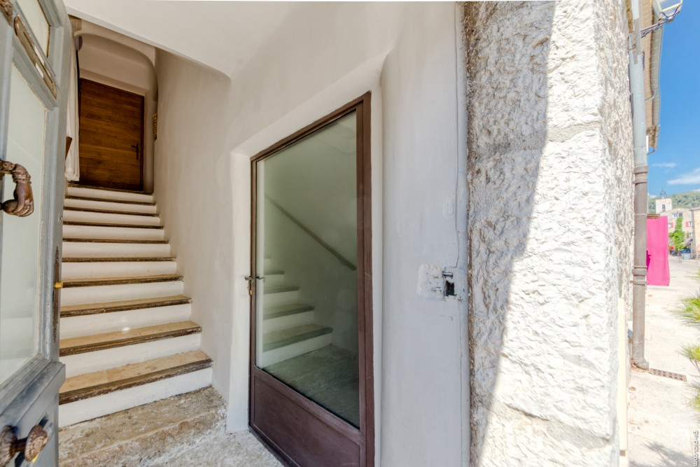 1 bed Property For Sale in Outside Nice,  - 19
