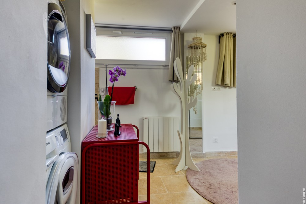 1 bed Property For Sale in Outside Nice,  - 10