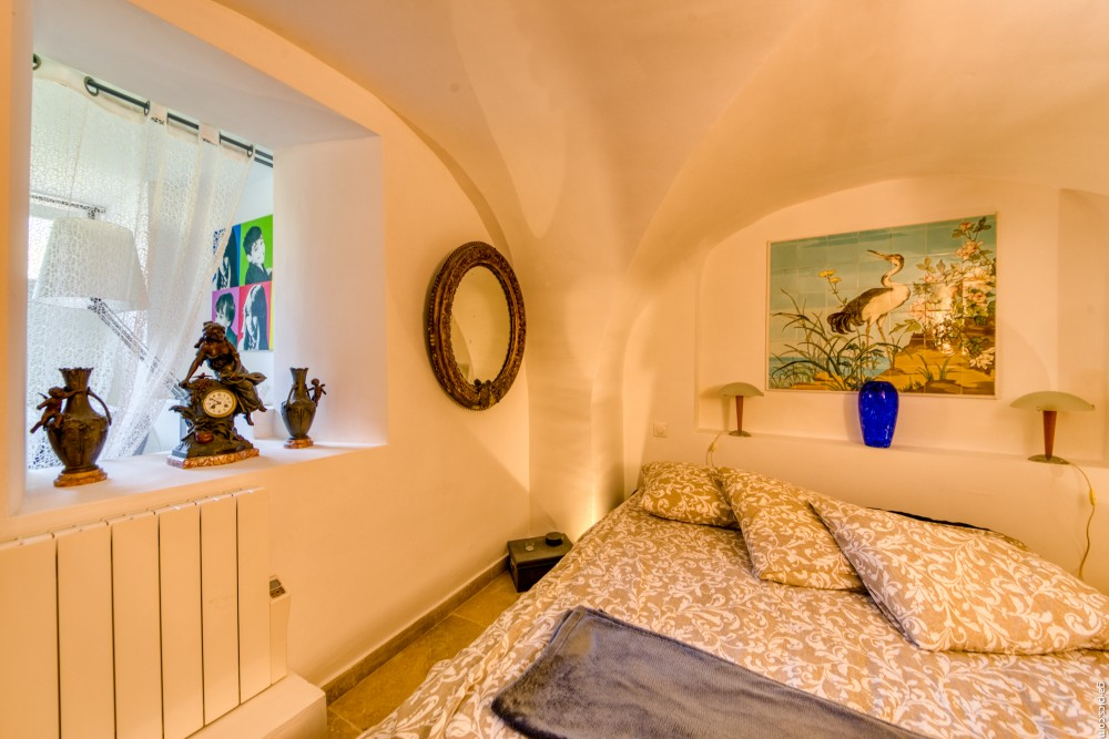 1 bed Property For Sale in Outside Nice,  - 11