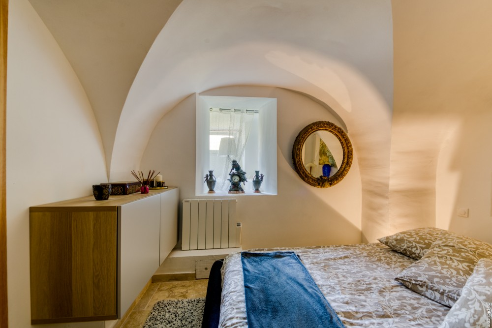 1 bed Property For Sale in Outside Nice,  - 15