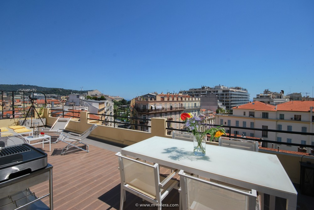 2 bed Property For Sale in Nice • Carré d'or,  - 2