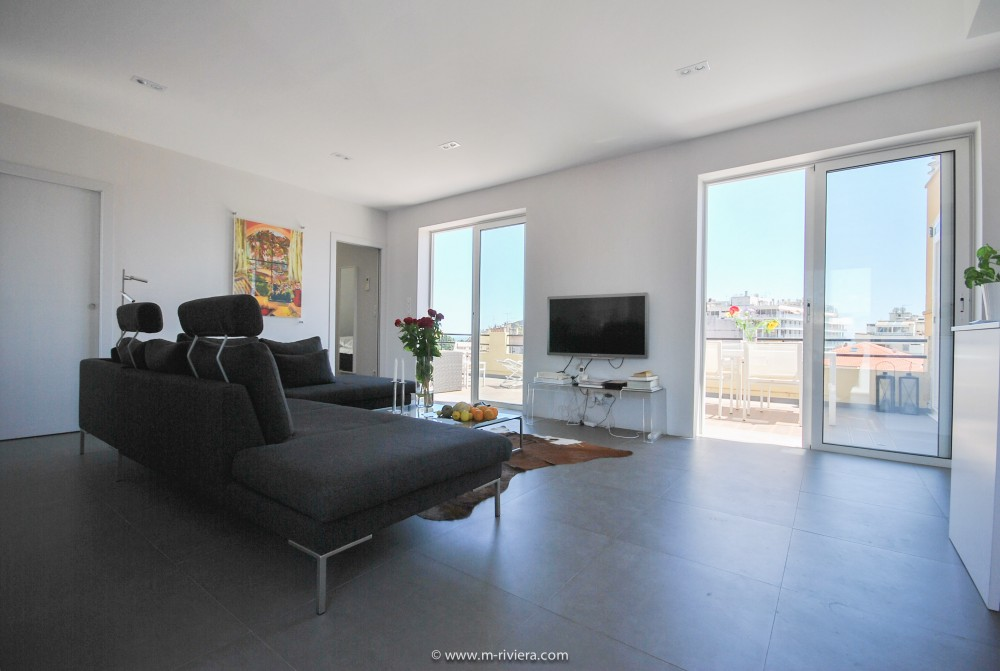 2 bed Property For Sale in Nice • Carré d'or,  - thumb 3