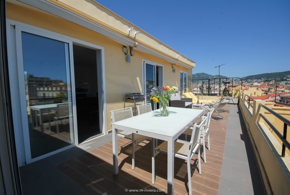 2 bed Property For Sale in Nice • Carré d'or,  - 4
