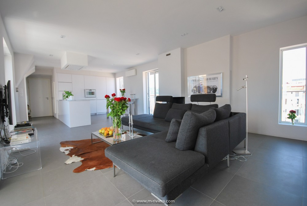 2 bed Property For Sale in Nice • Carré d'or,  - 10