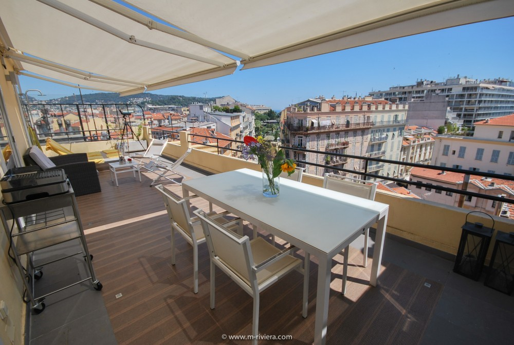 2 bed Property For Sale in Nice • Carré d'or,  - thumb 1