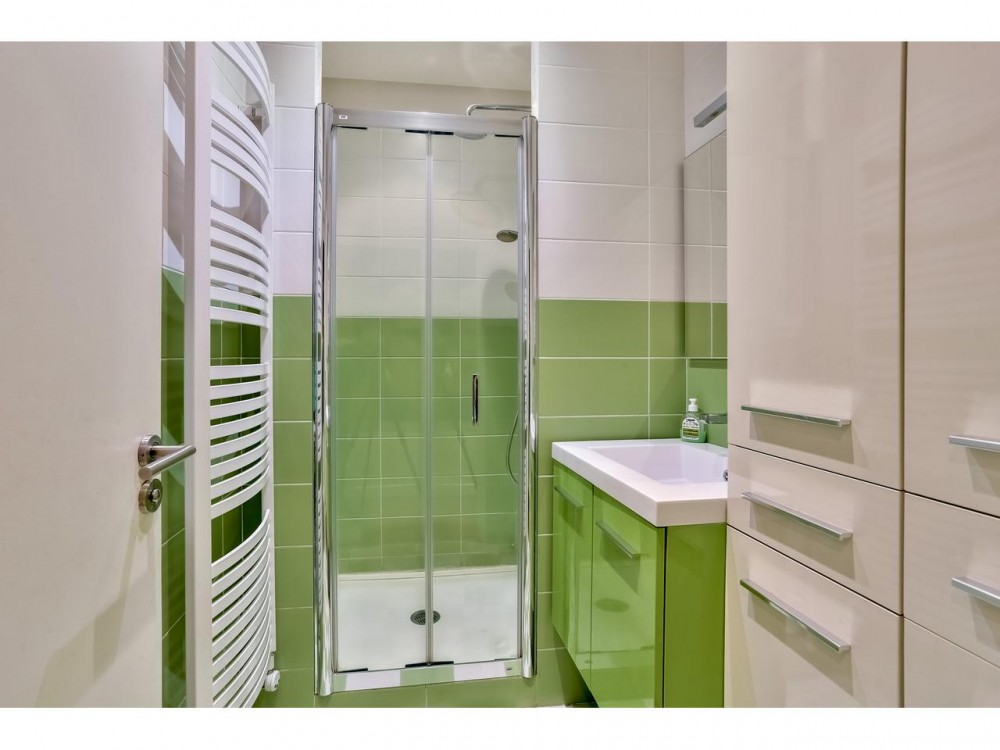 2 bed Property For Sale in Nice,  - thumb 8