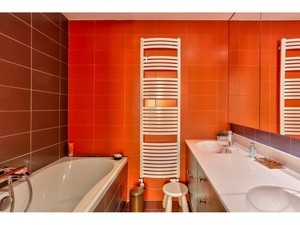 2 bed Property For Sale in Nice,  - thumb 9