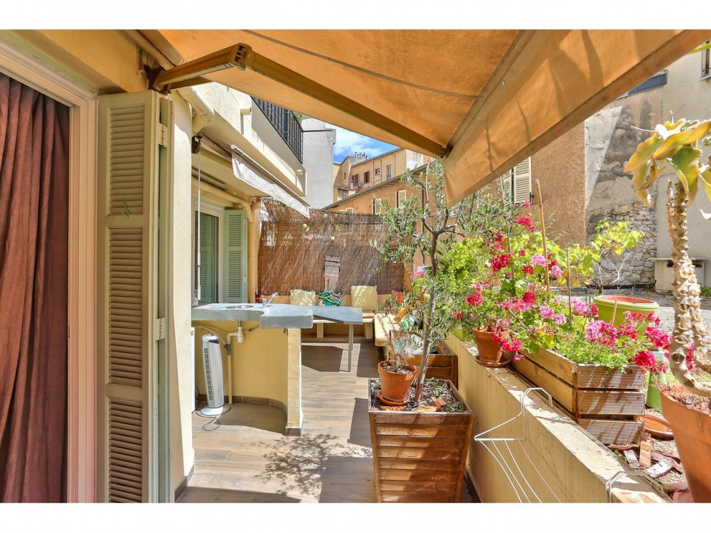 2 bed Property For Sale in Nice,  - thumb 2