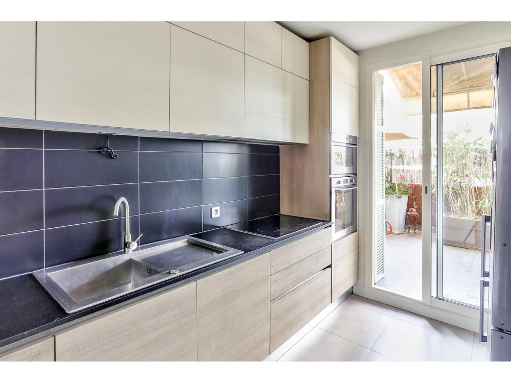2 bed Property For Sale in Nice,  - thumb 10