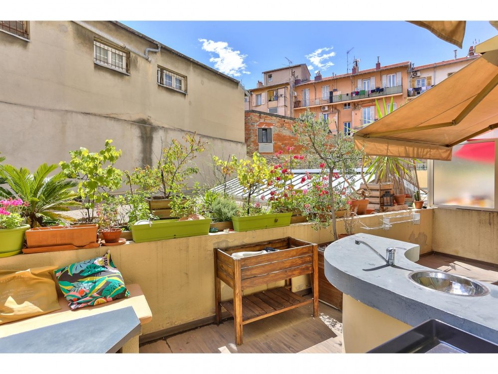 2 bed Property For Sale in Nice,  - thumb 11