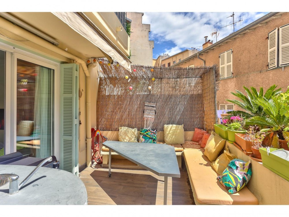 2 bed Property For Sale in Nice,  - thumb 1