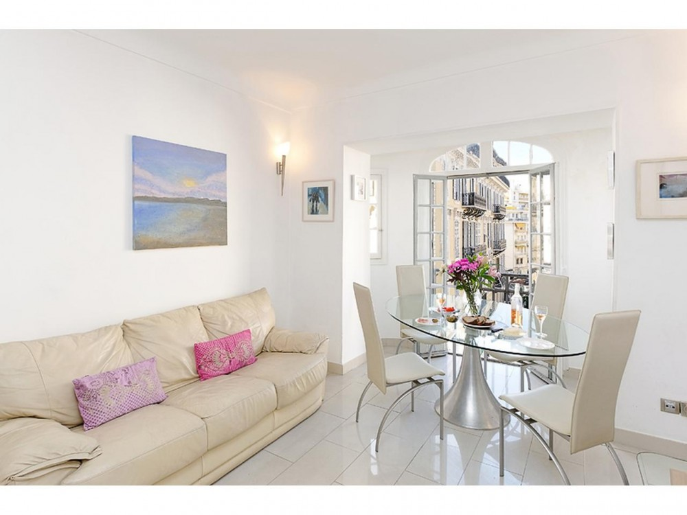 2 bed Property For Sale in Nice • Carré d'or,  - 1
