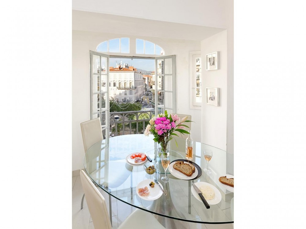 2 bed Property For Sale in Nice • Carré d'or,  - 3