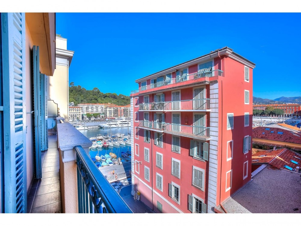 1 bed Property For Sale in Nice,  - 1