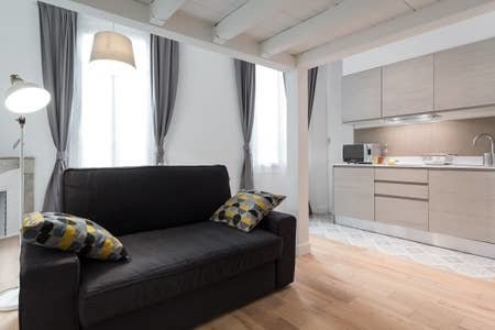 1 bed Property For Sale in Nice,  - thumb 2