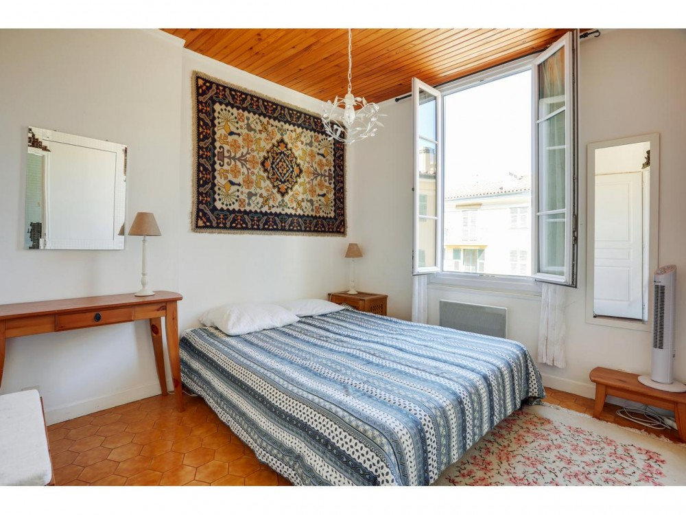 1 bed Property For Sale in Nice,  - 12
