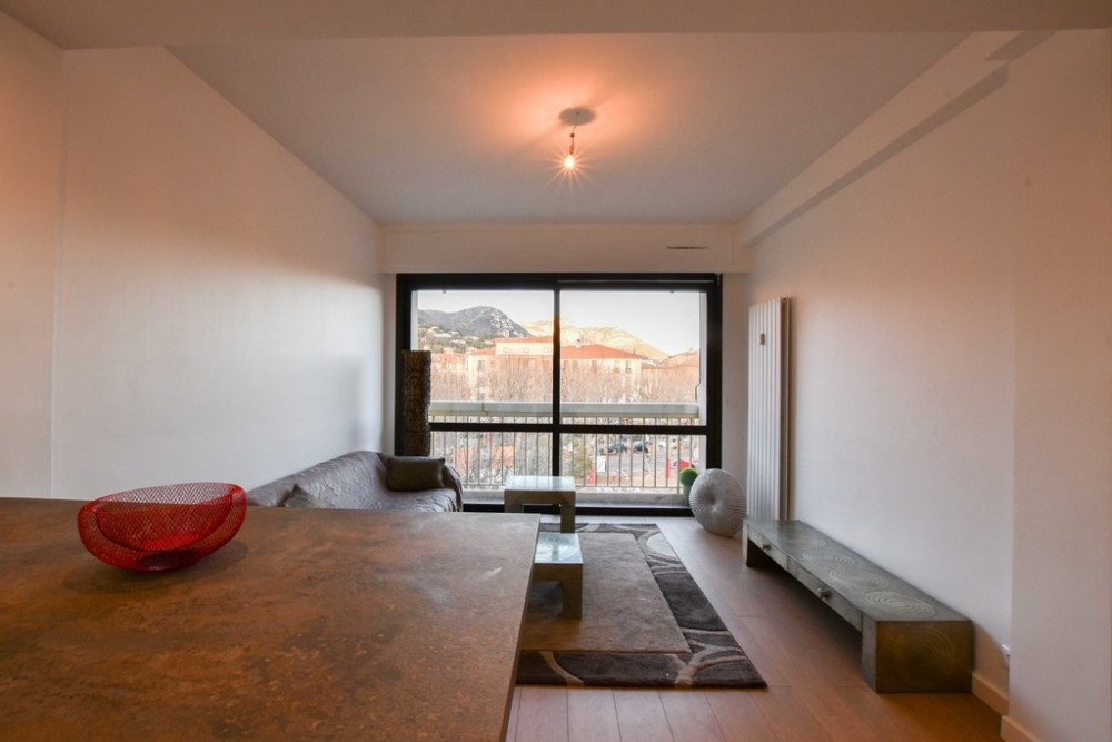 1 bed Property For Sale in Outside Nice,  - 5