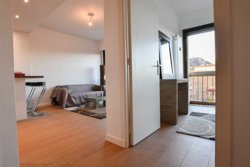 1 bed Property For Sale in Outside Nice,  - 6