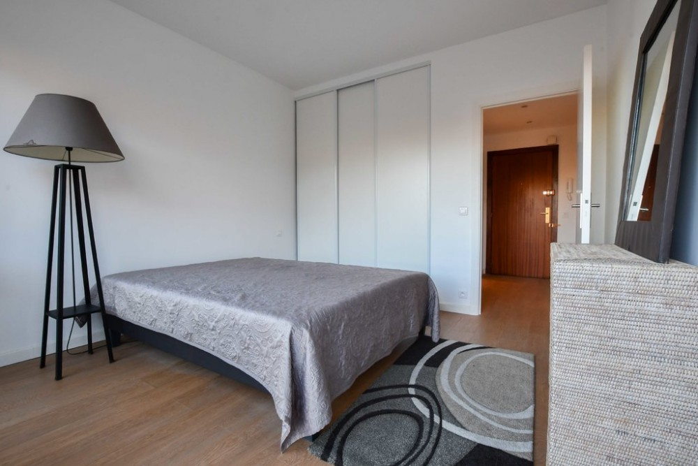 1 bed Property For Sale in Outside Nice,  - 7