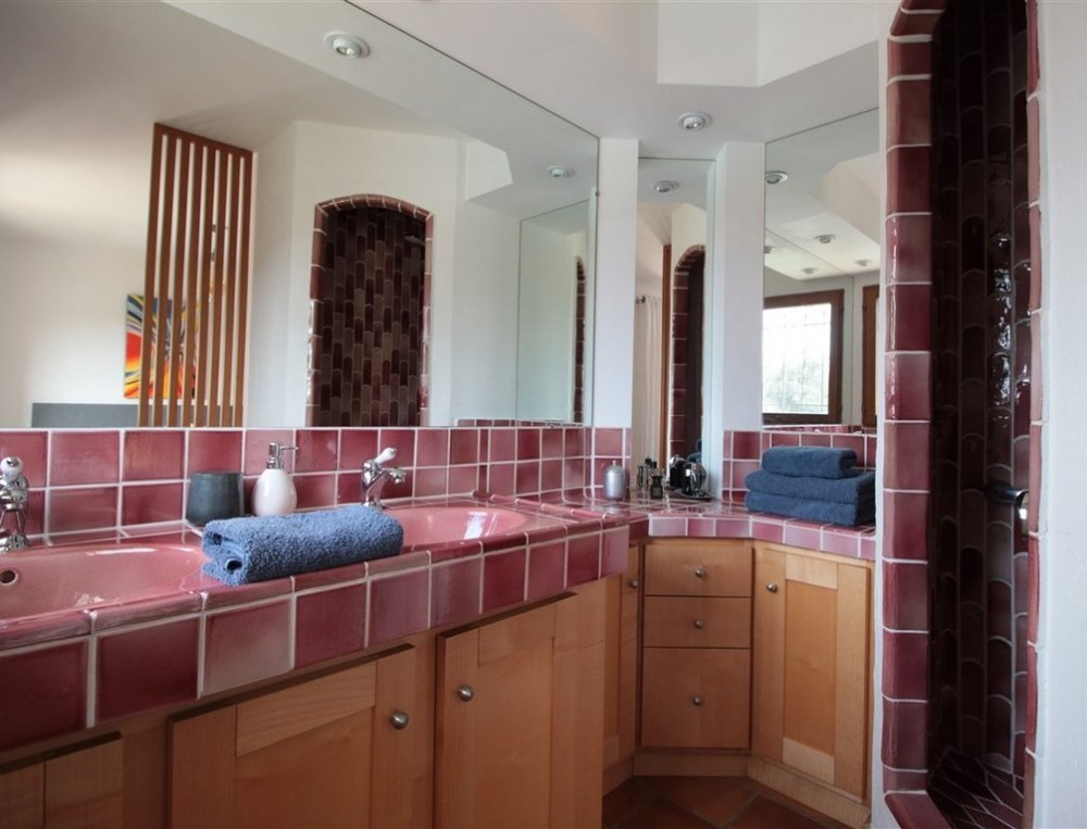 1 bed Property For Sale in Outside Nice,  - 12