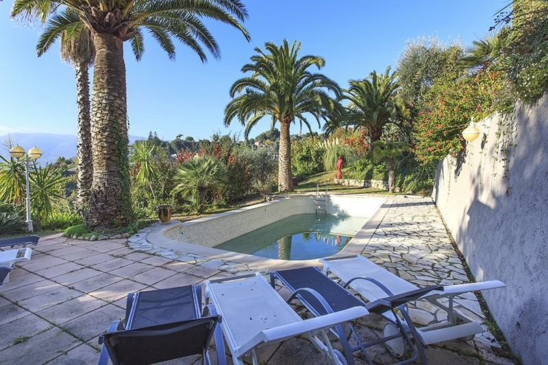 5 bed Property For Sale in Nice,  - 3