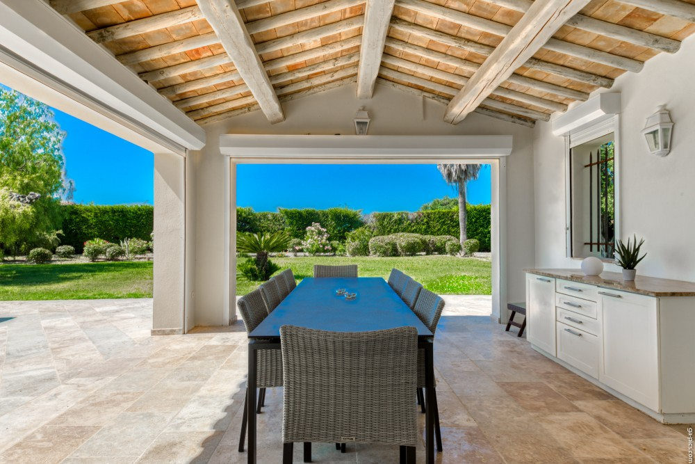 4 bed Property For Sale in Outside Nice,  - 2