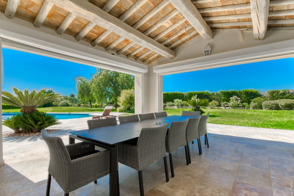 4 bed Property For Sale in Outside Nice,  - 3