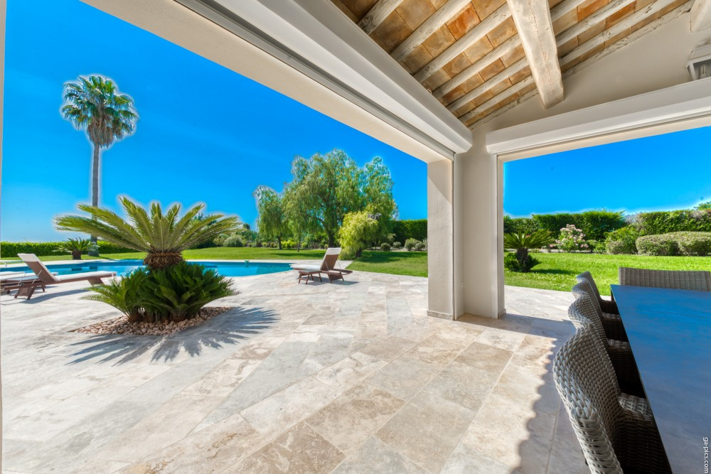 4 bed Property For Sale in Outside Nice,  - 4