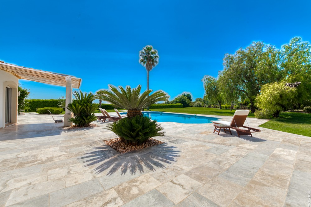 4 bed Property For Sale in Outside Nice,  - 6