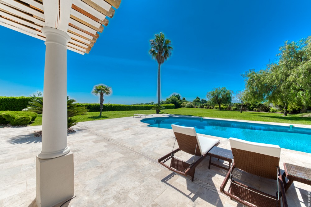 4 bed Property For Sale in Outside Nice,  - 12