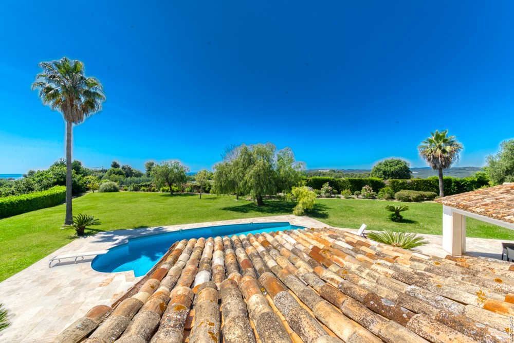 4 bed Property For Sale in Outside Nice,  - 15