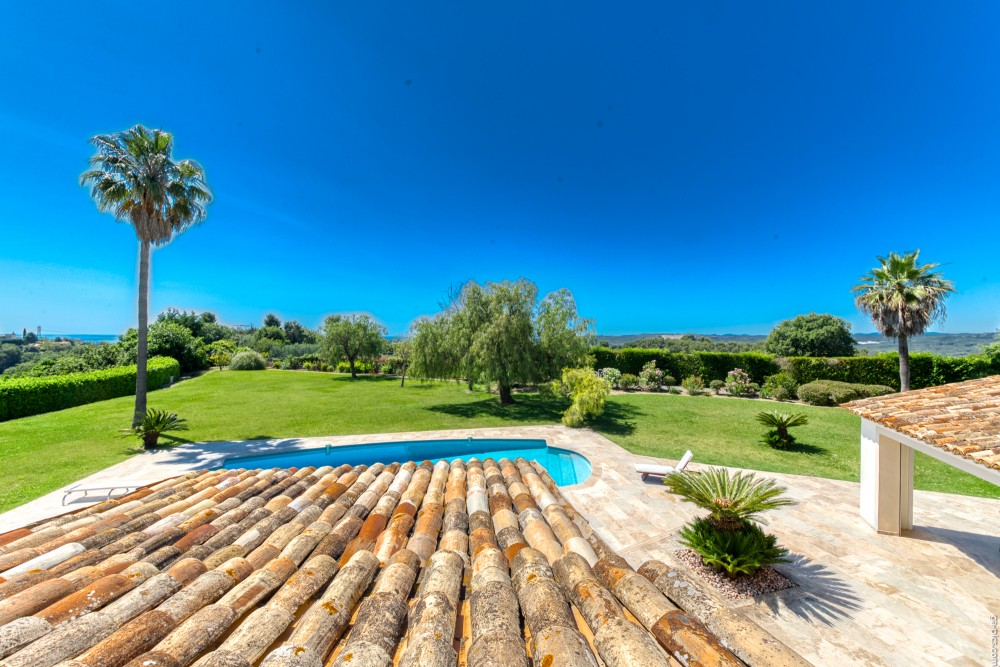 4 bed Property For Sale in Outside Nice,  - 17