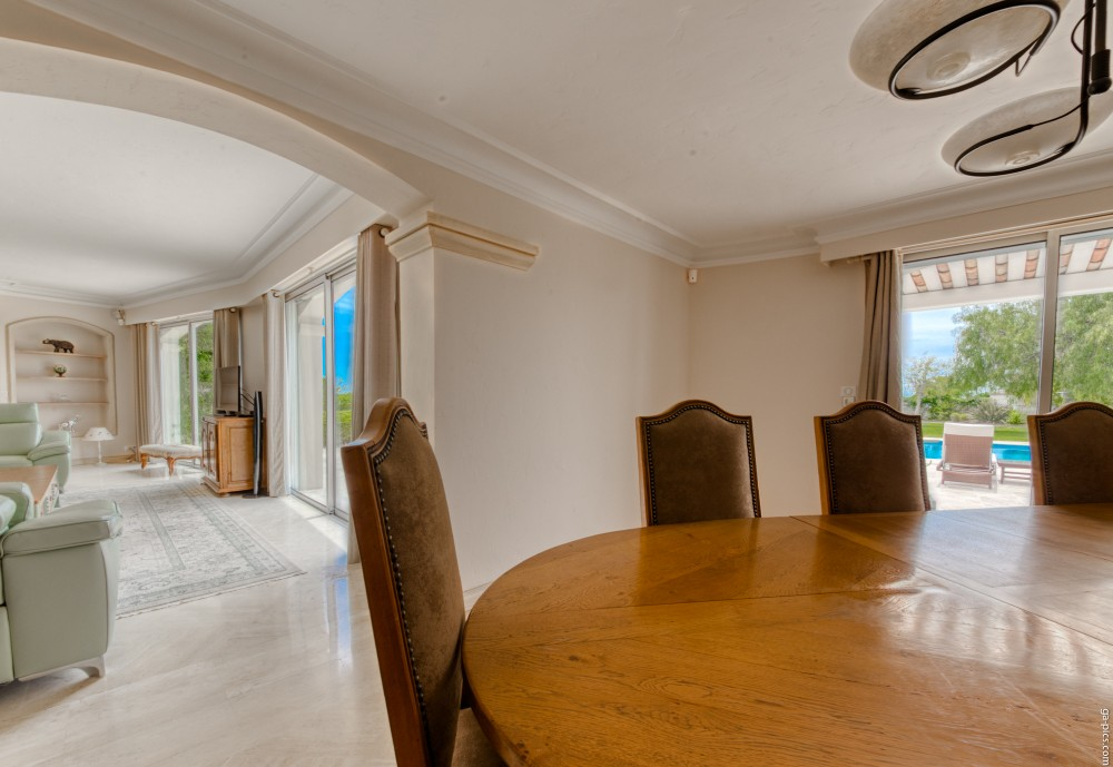 4 bed Property For Sale in Outside Nice,  - 11