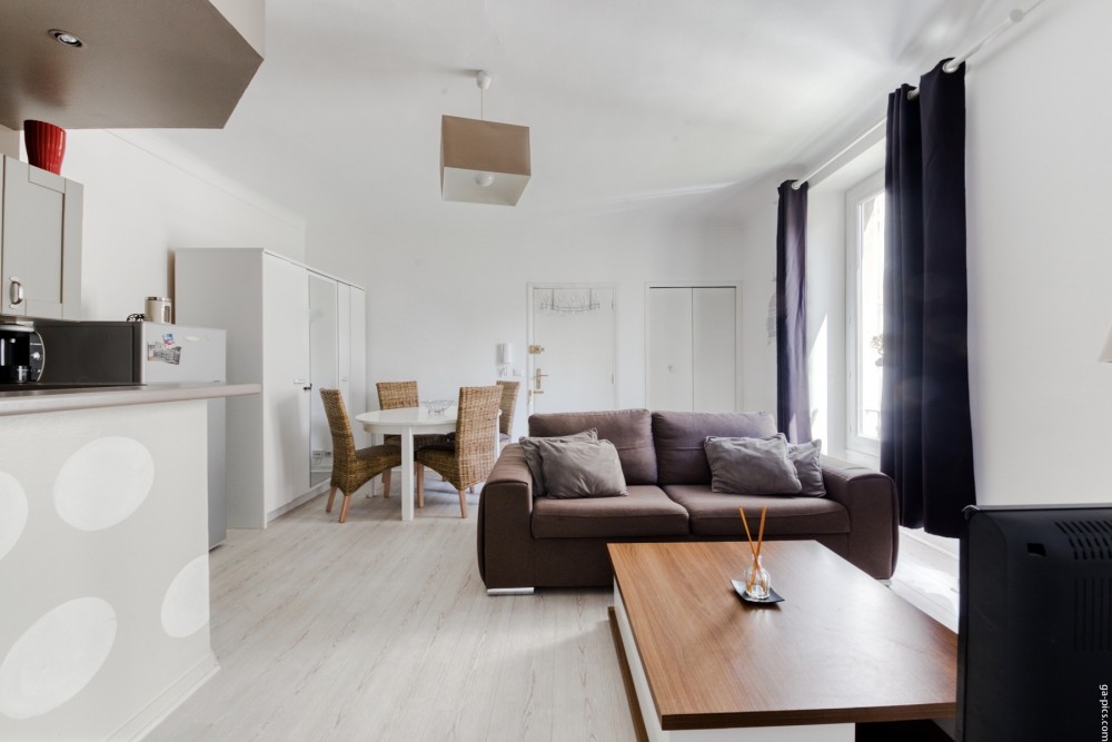 1 bed Property For Sale in Nice,  - 4