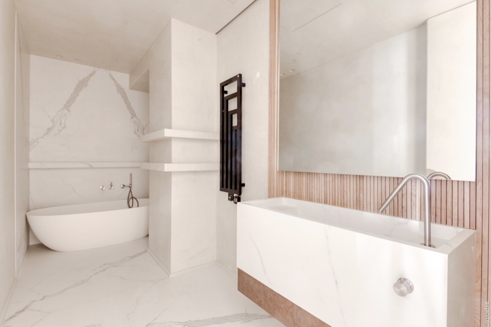 3 bed Property For Sale in Nice,  - 7