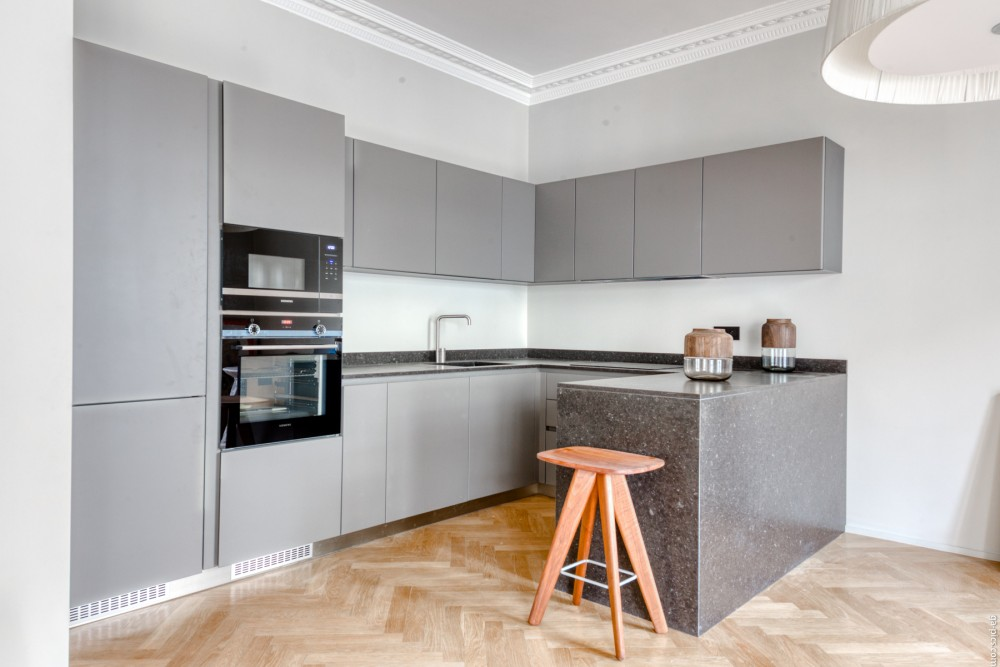 3 bed Property For Sale in Nice,  - 8