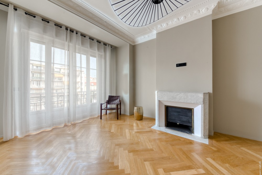 3 bed Property For Sale in Nice,  - 12